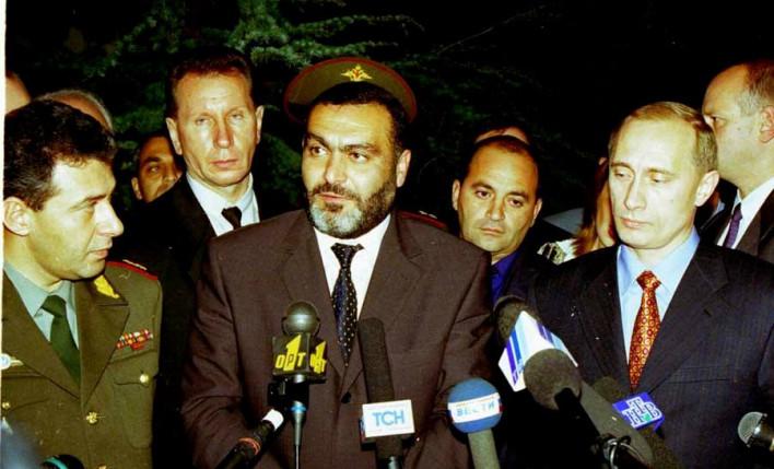 «Ես ձեզնից վախենում եմ, դուք մեռոնին թույն կխառնեք». այս տողերը Վազգեն Սարգսյանը գրել է սպանվելուց առավելագույնը 27 օր առաջ