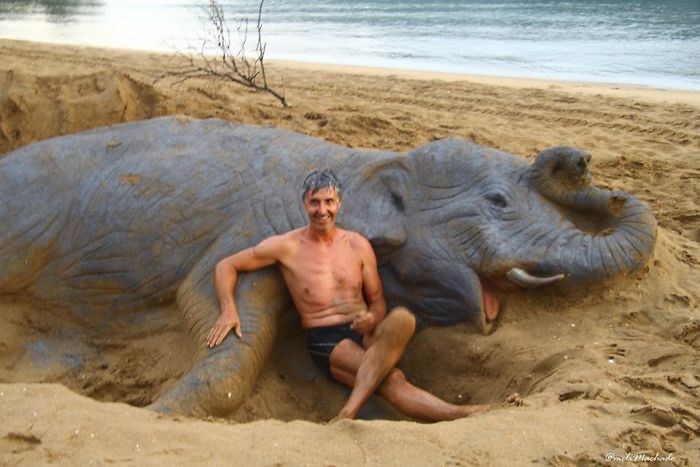 How a man discovered his talent of sculpturing on the beach